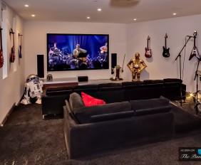 Photos Of Aviciis New House… Unreal