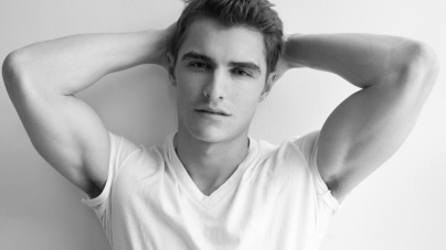 10 Reasons Why Dave Franco Is Hotter Than James Franco