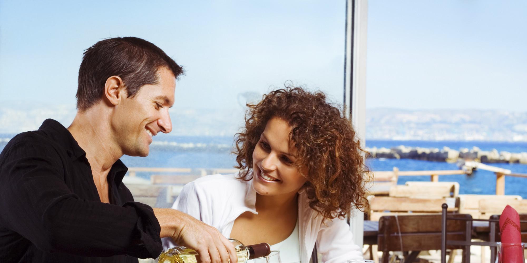Девушку знакомств с пригласить сайта на как свидание