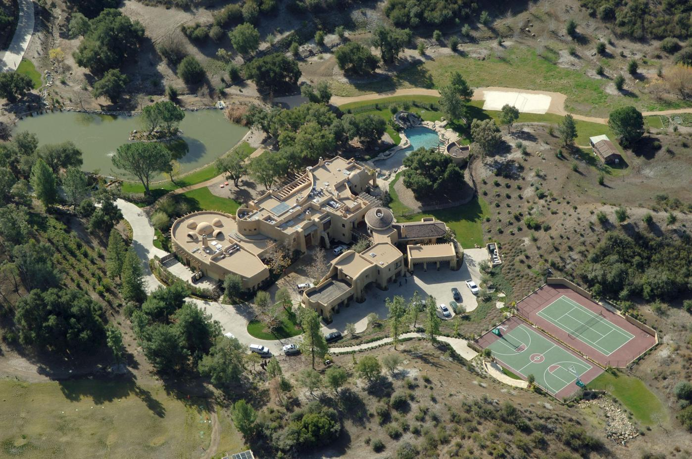 A look inside the homes of the rich and famous 39 info for Inside homes rich famous