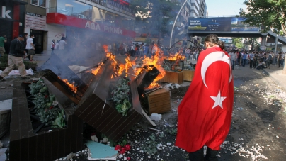 Istanbul: The Mayhem Behind the Mosques