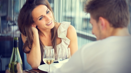 WTF Were You Thinking: 9 Things You Should Never Say To A Lady On A First Date