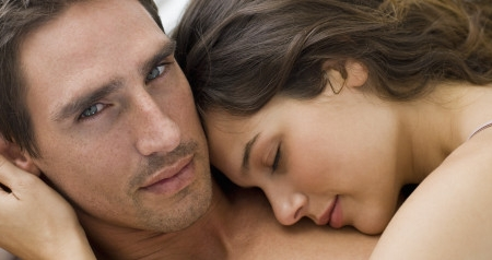 25 And Single: 18 Pros And Cons Between Dating Guys In Their 20′s and 30′s