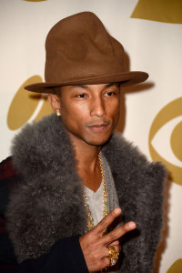 Pharrell-Williams-Vivienne-Westwood-Hat-600x900-200x300