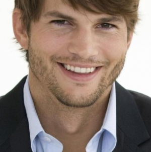 Ashton Kutcher Is Pranking People Again (VIDEO)