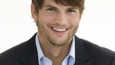 Ashton Kutcher Is Pranking People Again (VIDEO)