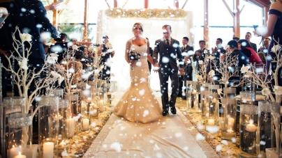 10 Breathtaking Wedding Aisles
