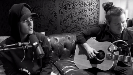 "Justin Bieber Debuts Acoustic Version Of ""What Do you Mean"", Breaks Spotify Record (VIDEO)"
