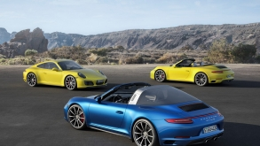 2017 Porsche 911 Carrera 4 and Targa 4 Officially Revealed